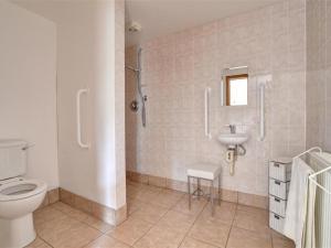 A bathroom at Bull