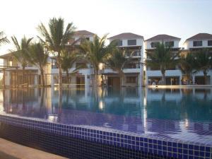 The swimming pool at or near Apartamento Pacifico