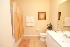 A bathroom at Cayview House #231539