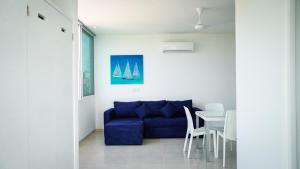 A seating area at Bianco Sea view Apartments