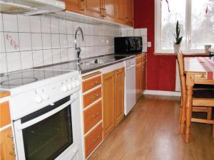 Ett kök eller pentry på Holiday home Äskekärrsvägen Sollebrunn