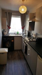 A kitchen or kitchenette at Gilmours Entry