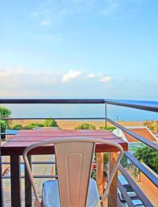 A balcony or terrace at El Morche Beach