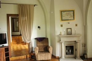 A seating area at Rapunzel Tower Apartment