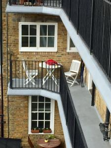 A balcony or terrace at Flat2C The former fire station