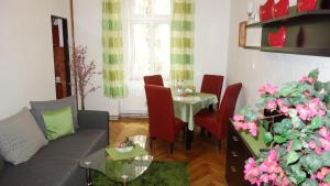 Ресторан / где поесть в Apartments Rokytka - Praha