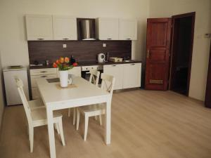 A kitchen or kitchenette at Apartment in OLD TOWN with authentic atmosphere
