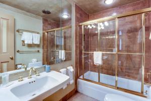 A bathroom at Vail Village Condo
