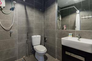 A bathroom at Empire Damansara Staycation