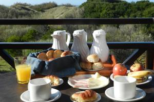 Breakfast options available to guests at Alpina Apart