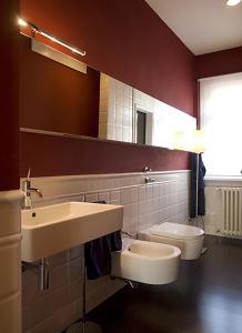 A bathroom at Meta Italy da Fabrizio