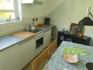 A kitchen or kitchenette at Casa Sandra
