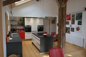 Cuisine ou kitchenette dans l'établissement Chalet Peillex
