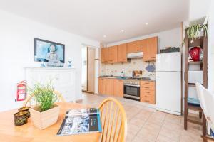 A kitchen or kitchenette at Vista Azul