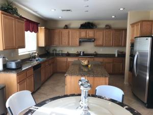 A kitchen or kitchenette at Casa Del Oro