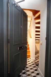 A bathroom at 27/3a Cockburn Street Apartments
