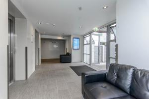 The lobby or reception area at Modern and cozy 2 bedroom apartment in Auckland CBD
