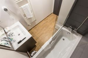 A bathroom at Résidence Prestige Odalys Isatis