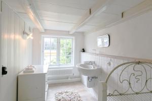 A bathroom at Stadthaus Friedrichstadt
