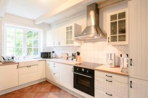 A kitchen or kitchenette at Stadthaus Friedrichstadt