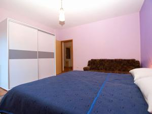 A bed or beds in a room at Apartments Branko 1348
