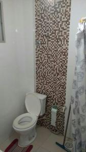 A bathroom at Apartamento Praia da Costa