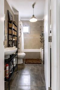 A bathroom at Mirador del Paraiso 213 - 2 bedrooms