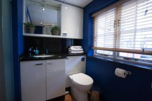 A bathroom at Soho Residences by Allô Housing