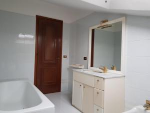 A bathroom at Villetta Miramonti