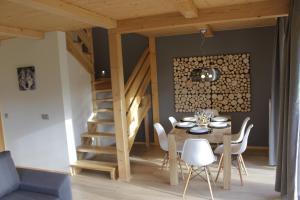 Jadalnia w domku alpejskim