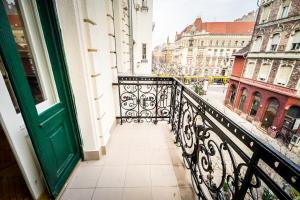 A balcony or terrace at BpR Jazzy Art Home
