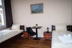 campo di concentramento di neuengamme. Black Bedroom Furniture Sets. Home Design Ideas
