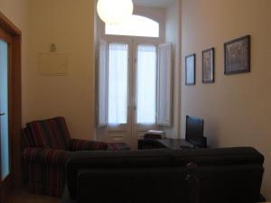 A seating area at Casa da Ribeira