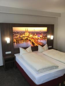hotel am freisch tz deutschland h rth. Black Bedroom Furniture Sets. Home Design Ideas
