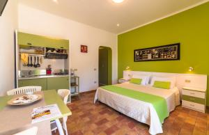 Le Terrazze Studio Apartments, Ustica, Italy - Booking.com