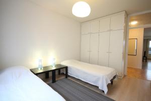 A bed or beds in a room at Two bedroom apartment in Espoo, Alakartanontie 11 (ID 1962)