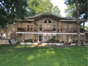 Vacation Home Bear Haus On Lake Dunlap New Braunfels Tx