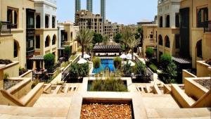 Driven Holiday Homes - Souk Al Bahar