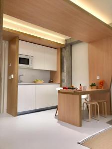 Una cocina o zona de cocina en Inside Bilbao Apartments
