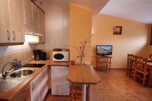 A kitchen or kitchenette at Sierra De Monfrague