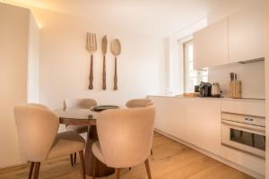 Köök või kööginurk majutusasutuses Santa Justa 77 - Downtown Luxury Apartments