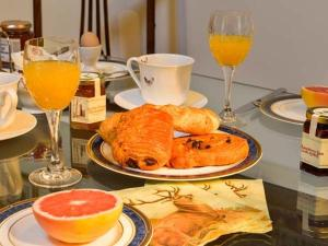 Breakfast options available to guests at Coleridge, Bridgwater