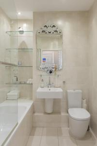 A bathroom at Portland Place