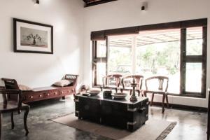 A seating area at Ichumma's Inn