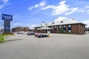 Travelodge Hotel by Wyndham Montreal Airport