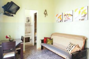 A seating area at Apartamento San Juan