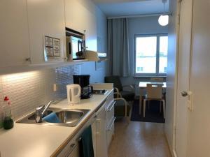 Küche/Küchenzeile in der Unterkunft Töölö Towers