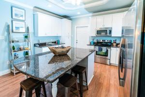 A kitchen or kitchenette at My Bahama