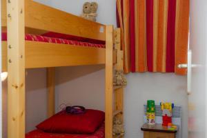 A bunk bed or bunk beds in a room at Résidence Goélia Les Balcons d'Anaïs