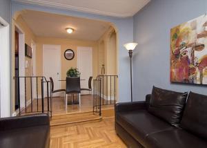 Chelsea suites new york prezzi aggiornati per il 2018 for New york appartamenti vacanze